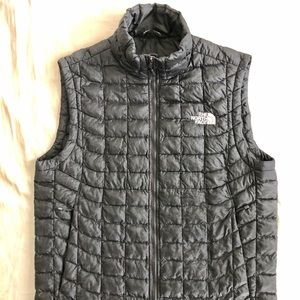 The North Face Men's Thermoball Vest size small